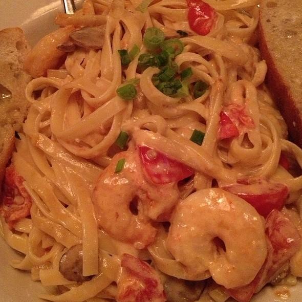 Shrimp Alfredo @ Fellini's