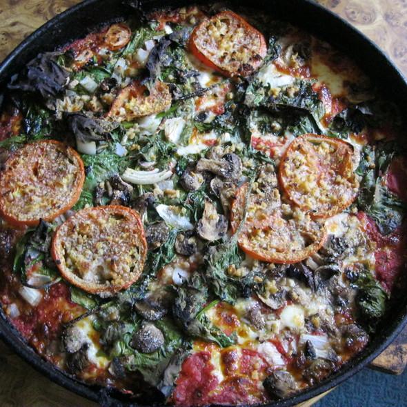 Pizza @ Burt's Place