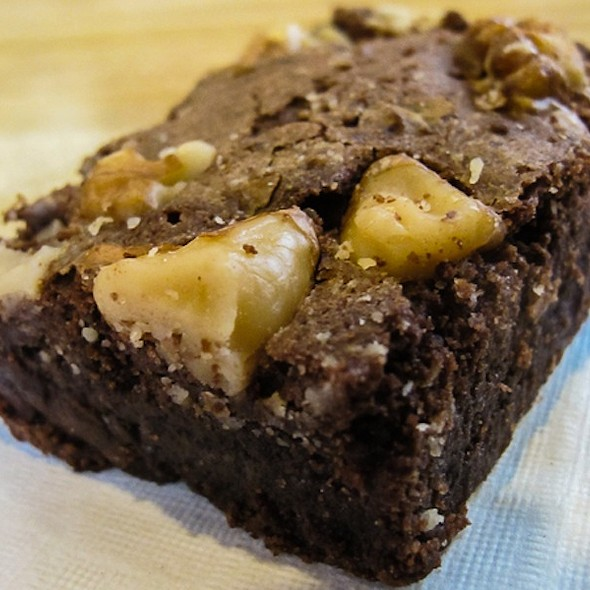 Mrs Fields Walnut Brownie @ Del Amo Fashion Center