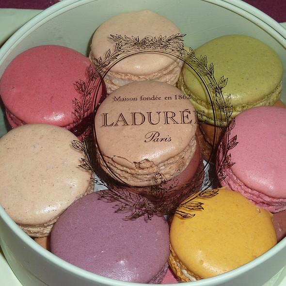 Macaron @ Ladurée