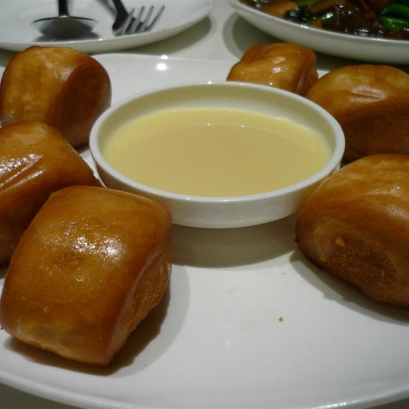 Fried Buns with Condensed Milk @ Cha Chan Tang