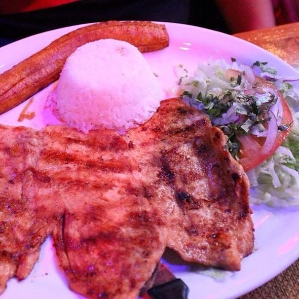 Chicken - Sabor A Cafe, Chicago, IL