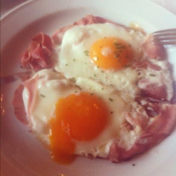 Fried Eggs With Ham @ Café Im Literaturhaus