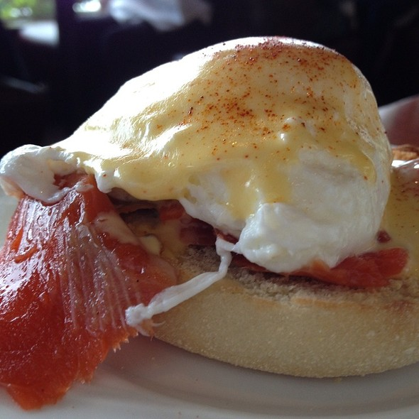Smoked Salmon Eggs Benedict - Lobster Shop South, Tacoma, WA