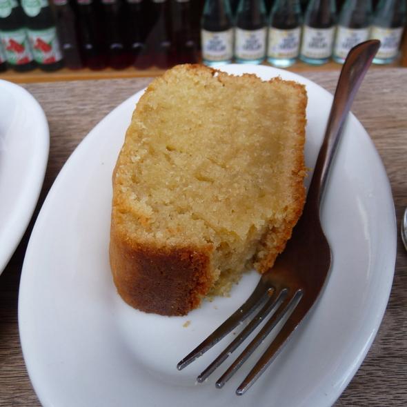 Olive Oil Cake @ Abraço