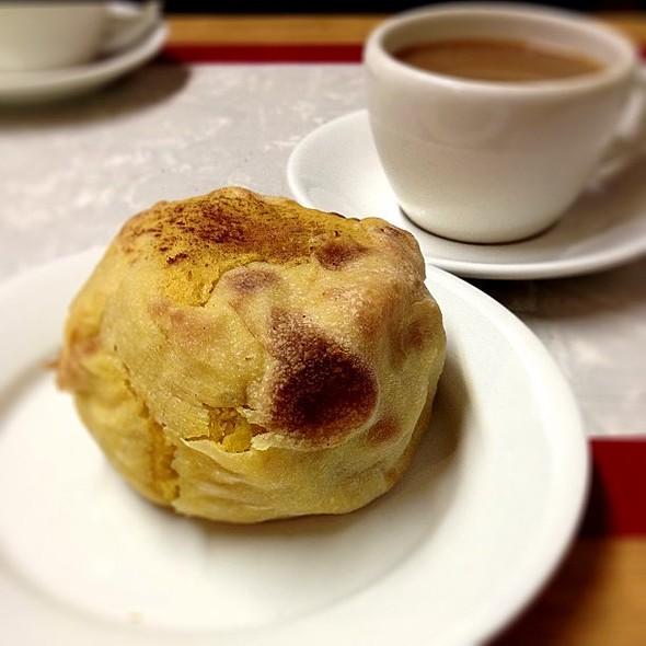 Sweet Potato Knish @ Yonah Schimmel Knish Bakery