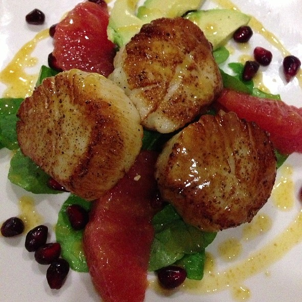 Citrus Scallops  @ Plonk! Beer & Wine Bistro
