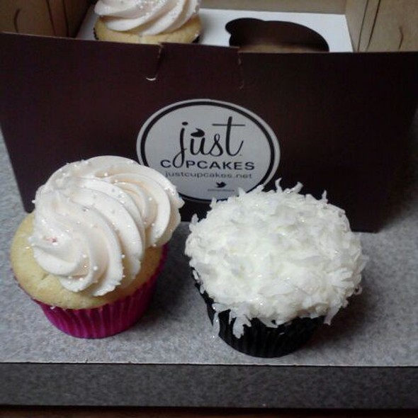 Pink Champagne And Choco Coco Cupcakes @ Just Cupcakes