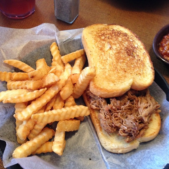 Pulled Pork Plate @ Sonny's Real Pit Bar-B-Q