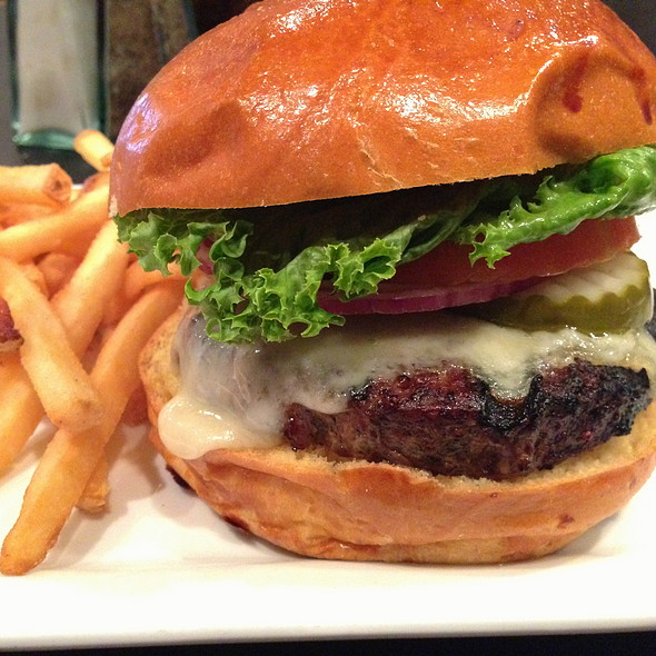 Cheese Burger @ Riverstone Cafe