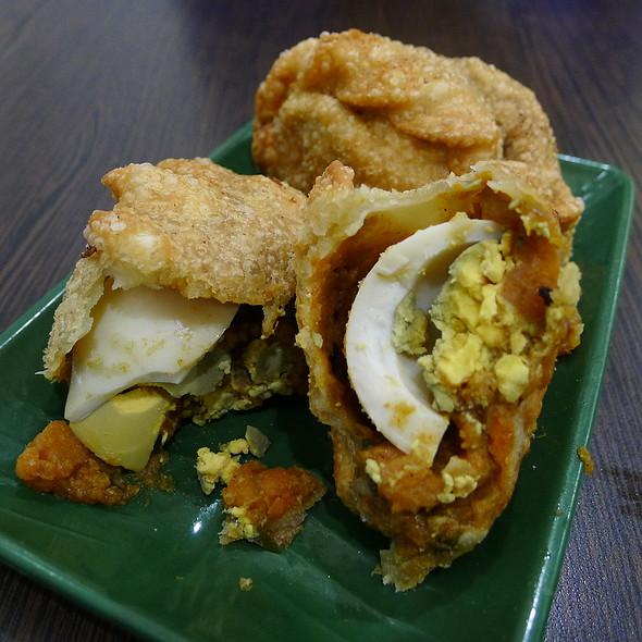 Karipap (Chicken Curry Puffs) @ Albee's Kitchen