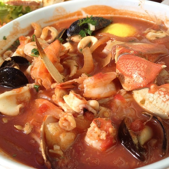 Cioppino @ Phil's Fish Market & Eatery