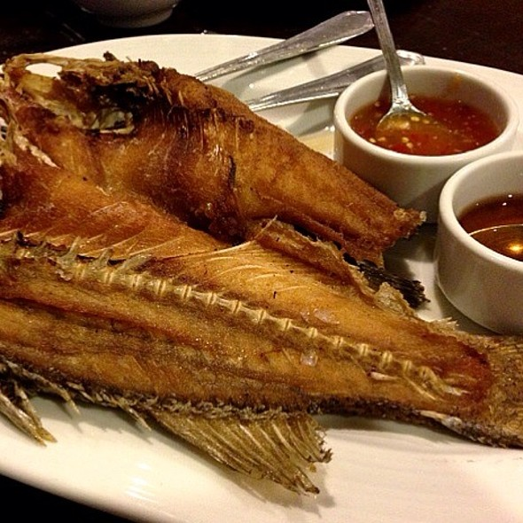 Deep fried Sea Bass with fish sauce @ จิตรโภชนา