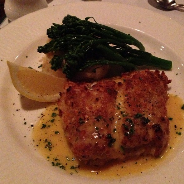 Macadamia Crusted Grouper @ Eau Gallie Yacht Club