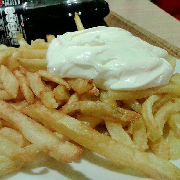 French Fries Mayo,  Πατάτες Μαγιό  @ Queen Burger