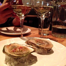 Oysters & Cava