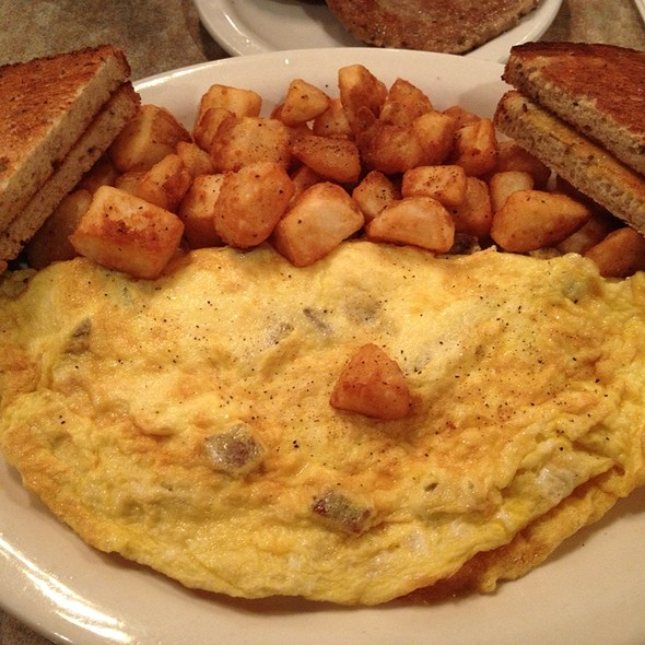 Sausage And Cheese Omelet with Hashbrows @ Scotty's Diner