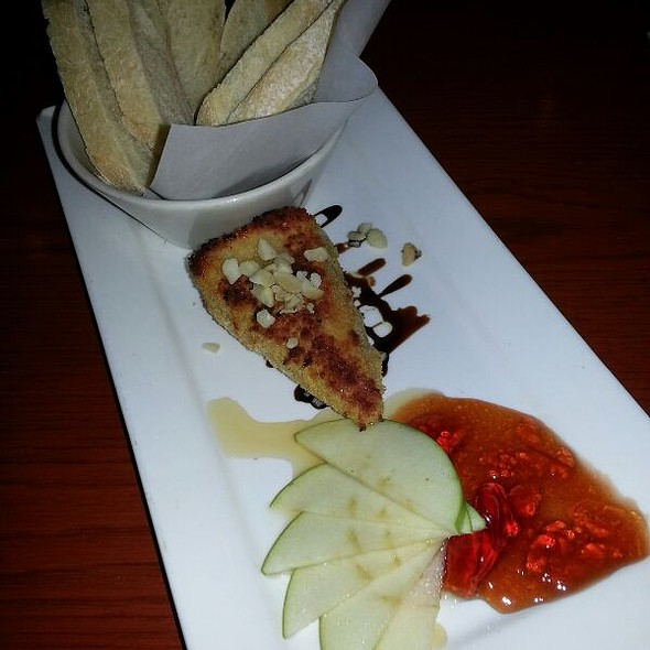 Warm Brie with Macadamia Nut Crust  @ Kincaid's Fish Chop & Steak House: Ward Warehouse the