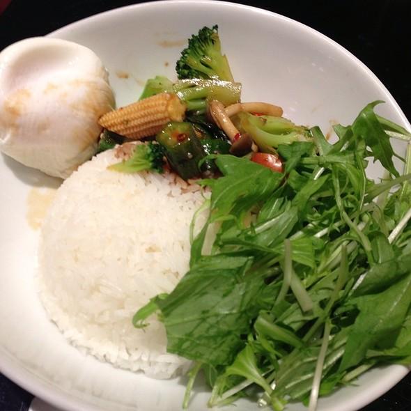 Pad Gapao Moo Sap @ マンゴツリーカフェ横浜