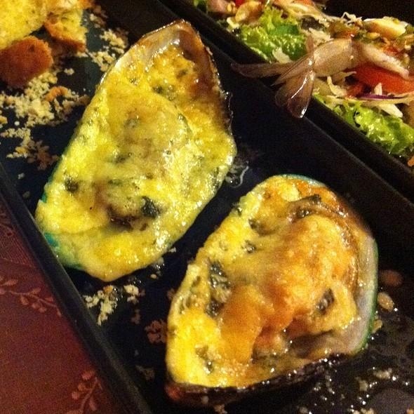 หอยแมลงภู่อบชีส | Baked Mussels With Cheese
