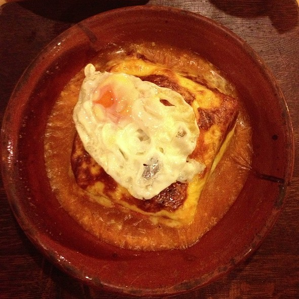 Francesinha @ Tappas Cafe Madalena