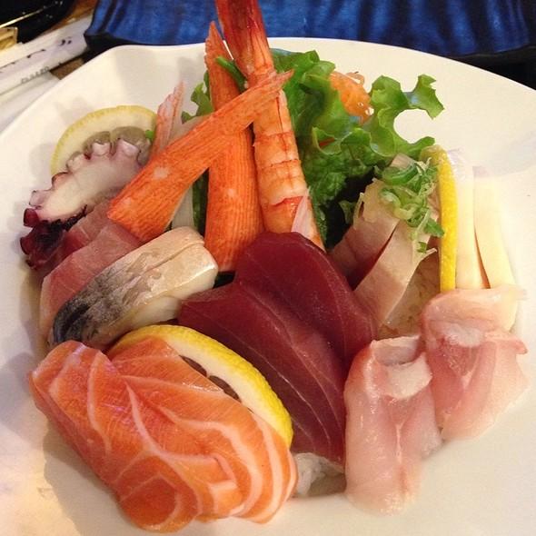 Chirashi - Sushi Ichimoto, Hayward, CA