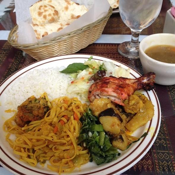 buffet @ Tibet Nepal House Inc