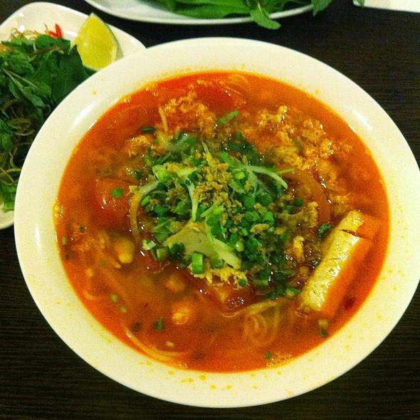 Bún Riêu Crab & Tomato Noodle Soup @ AsiaWay