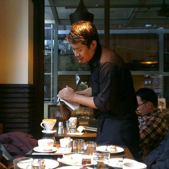 Coffee @ Zhanlu Coffee 湛盧咖啡台大手沖館