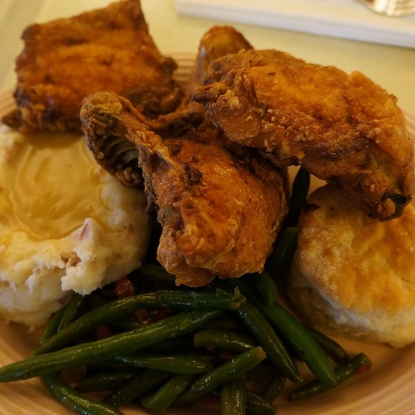 Fried Chicken Plate @ Plaza Inn