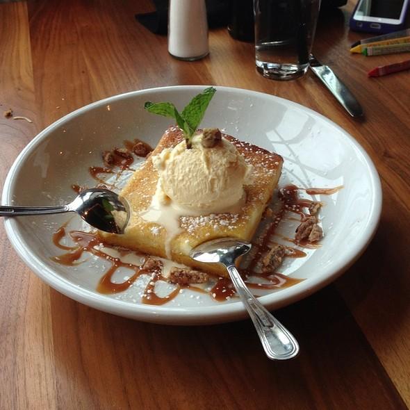 Gooey Butter Cake - Park Tavern - Rosemont, Rosemont, IL