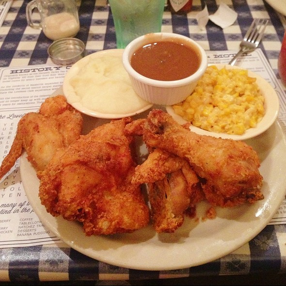 fried chicken @ Loveless Cafe
