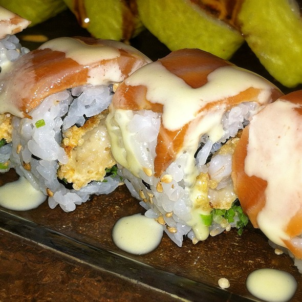 """""""Masago Cracker Shrimp"""" Roll"""