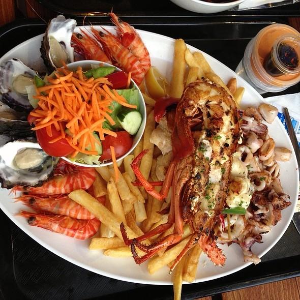 BBQ seafood platter @ Kailis Fish Market & Cafe