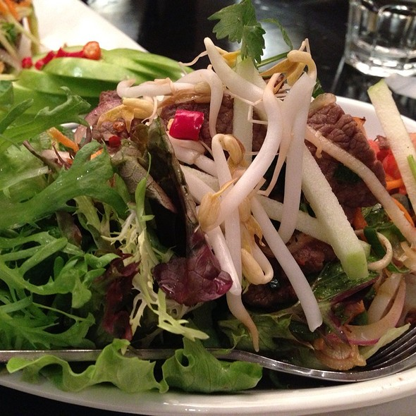 Thai Beef Salad @ Holy Basil @ The Shark Hotel