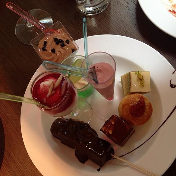 Afternoon Tea/High Tea @ Swissôtel Sydney