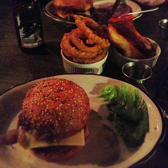 Burger @ Grange Hall Burger Bar