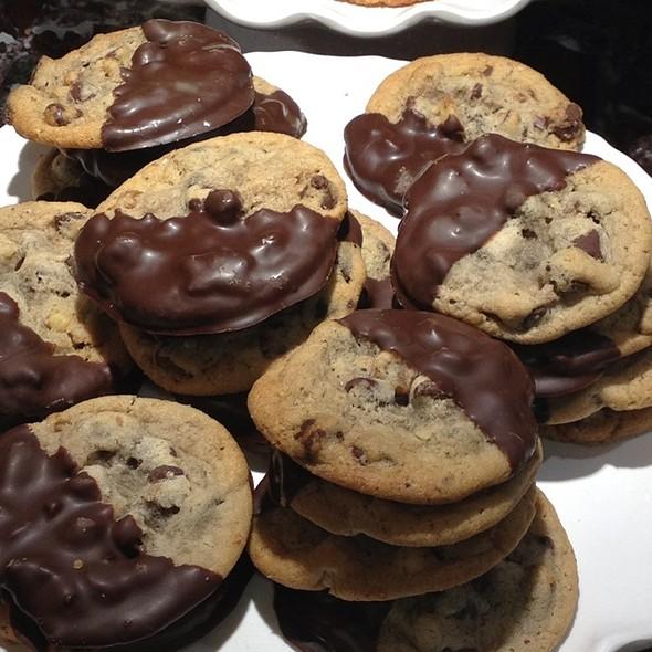 Wegmans Chocolate Chip Cookies