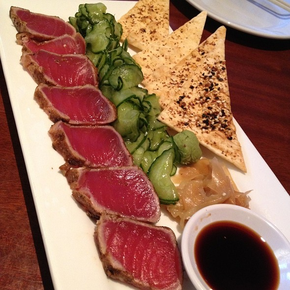 Seared Ahi Tuna @ Seasons 52 Fresh Grill