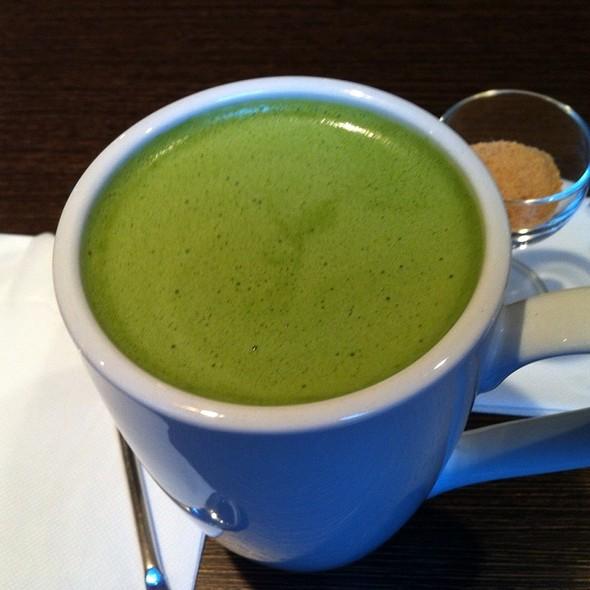 Matcha Latte @ Zhanlu Coffee 湛盧咖啡台大手沖館