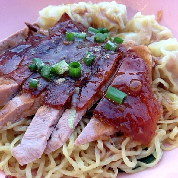 Roasted Duck Wonton Egg Noodles @ Sukhumvit 38 Night Food Stalls