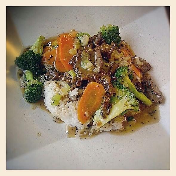 Brokoli Cah Sapi Lada Hitam
