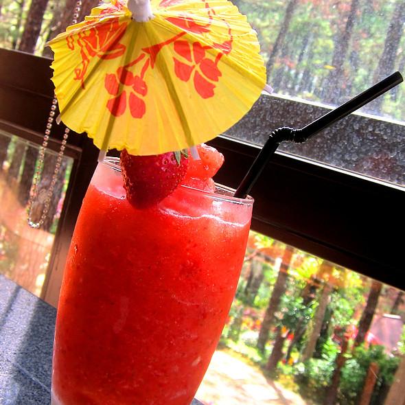 Fresh Strawberry Shake @ Le Monet Hotel
