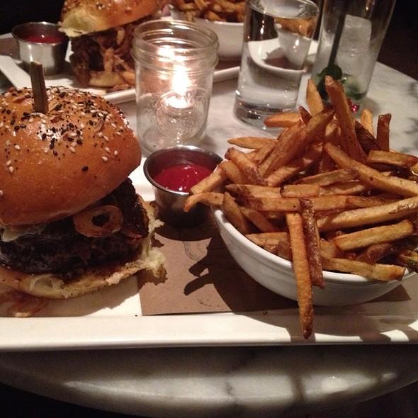 Short Rib Burger @ Meat & Potatoes