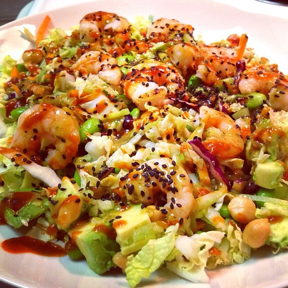 California Pizza Kitchen - Thai Crunch Salad With Grilled Shrimp ...