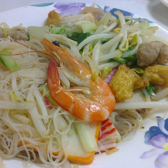 Fried Rice Vermicelli With Seafood @ 良友小館