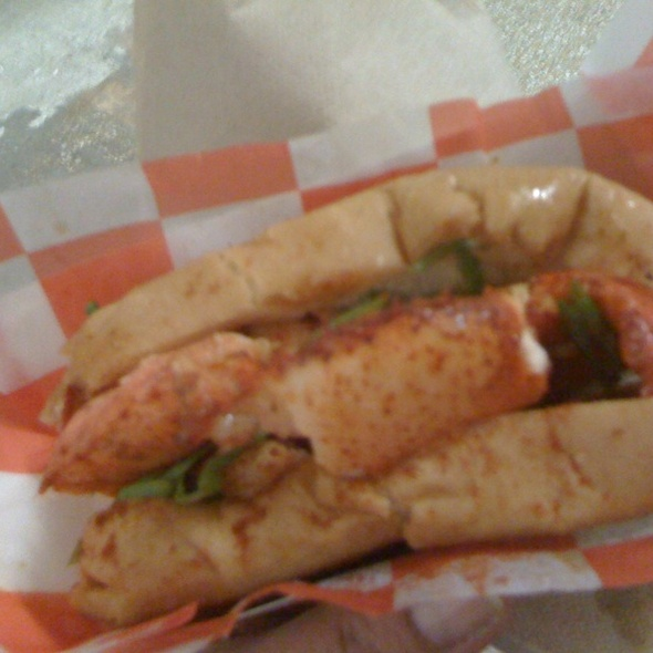CT Style Lobster Roll @ Red Hook Lobster Pound