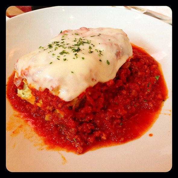 Lasagna with Meat Sauce - Connie's Pizza in Bridgeport, Chicago, IL