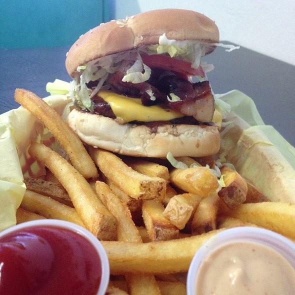 BBQ Bacon Cheeseburger  @ Jakes Burger