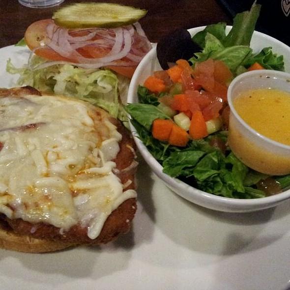 Pepperoni Chicken Napolinata  @ Mojo's Pub & Grill